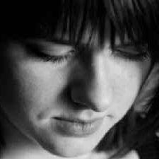 נשים מספידות – תנאי לרישיון
